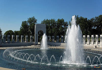Photograph - World War II Memorial--pacific Pavilion Ds035 by Gerry Gantt