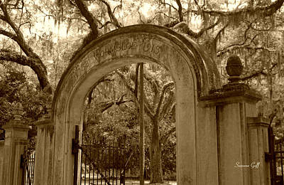 Photograph - Wormsloe Gate 1733-1913 In Sepia by Suzanne Gaff