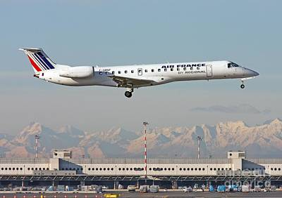 Photograph -  Air France Regional Airlines Embraer Erj-145eu - F-grgf  by Amos Dor