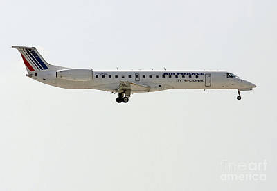 Photograph -  Air France Regional Airlines Embraer Erj-145eu - F-grgl  by Amos Dor
