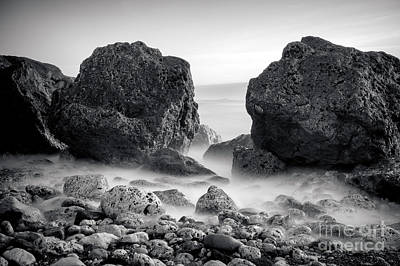 Waves And Rocks Print by Ray Pritchard