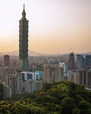 Photograph - 101 Tower Sunset by Andrew Kow