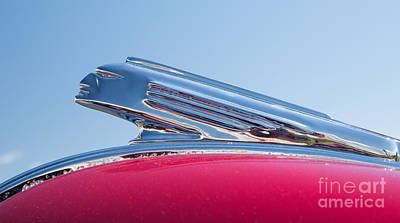 Photograph - 1939 Pontiac Hood Ornament by Kevin McCarthy