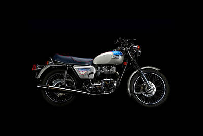 Photograph - 1977 Triumph Bonneville Silver Jubilee by Keith May
