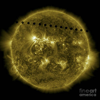 Venus Surface Photograph - 2012 Transit Of Venus Moving by Stocktrek Images