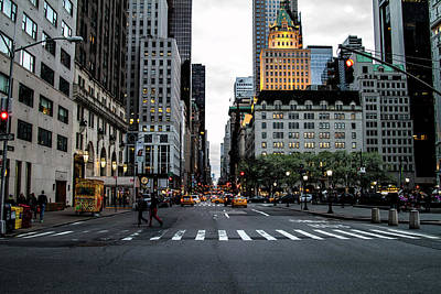 Photograph - 5th Avenue by Robert J Caputo