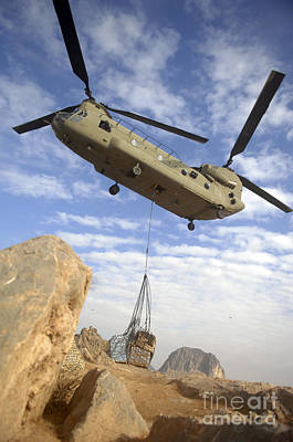 A U.s. Army Ch-47 Chinook Helicopter Art Print by Stocktrek Images