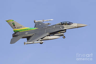 Transportation Royalty-Free and Rights-Managed Images - A Vermont Air National Guard F-16c by Rob Edgcumbe