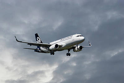 Passenger Plane Photograph - Air New Zealand Airbus A320 by Smart Aviation