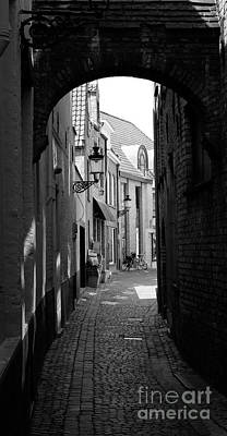 Photograph - Alley by Cecil Fuselier