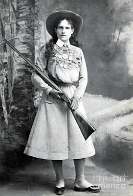 Legendary Rifle Photograph - Annie Oakley, American Folk Hero by Science Source