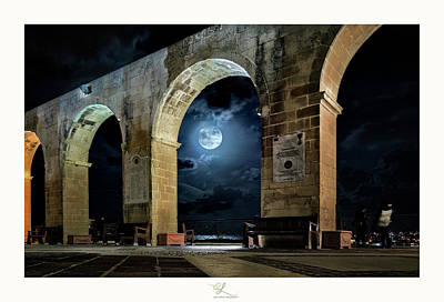 Arched Moon Art Print