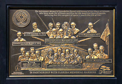 Photograph - Astronauts Memorial  by David Lee Thompson