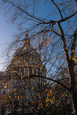 Photograph - Autumn Leaves At St Paul's Cathedral London by Gary Eason