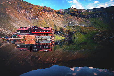 Photograph - Balea Lake Cabin by Chris Thodd