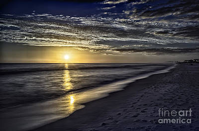 Beach Sunset 1021b Art Print by Walt Foegelle