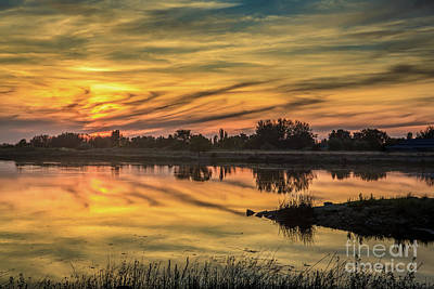 Photograph - Beautiful Sky by Robert Bales