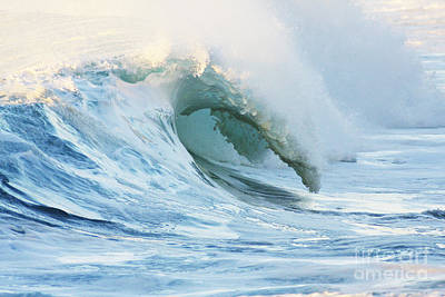 Beautiful Wave Breaking Art Print