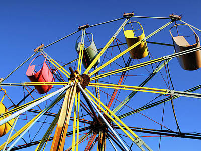 Photograph - Big Wheel by Dominic Piperata