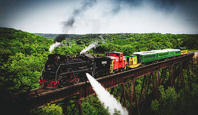 Photograph - Boone And Scenic Valley Railroad by Loc