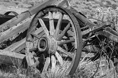 Photograph - Broken Wagon Wheel by Frank Wilson