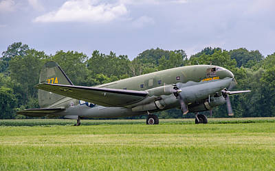 Photograph - C-46 Commando Tinker Belle by Guy Whiteley