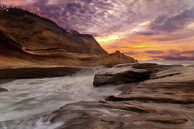 Oregon Photograph - Cape Kiwanda Sunset by David Gn
