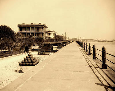 Photograph - Charleston East Battery 1900s by L O C