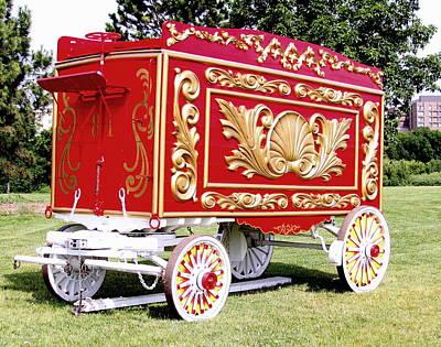 Milwaukee Parade Photograph - Circus Wagon by Steve Bell