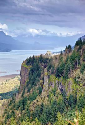 Columbia River Gorge Oregon State. Original by Gino Rigucci