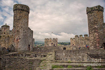 Photograph - Conwy Castle by Patricia Hofmeester