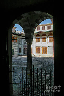 Photograph - Courtyard Topkapi Palace by Patricia Hofmeester