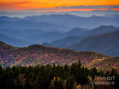 Photograph - Cowee Overlook. by Itai Minovitz