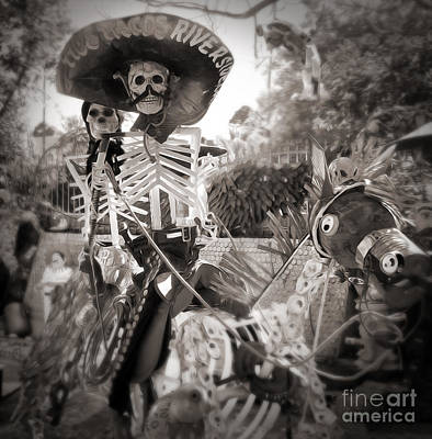 Photograph - Dia De Los Muertos Dia De Los Muertos Couple On A Horse by Gregory Dyer