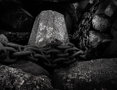 Photograph - Dolosse And Chains Black And White by TL Mair