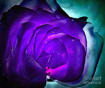 Abstract Flower Photograph - Drift Away by Krissy Katsimbras