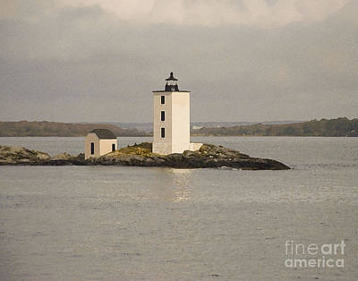Photograph - Dutch Island Lighthouse by Robert  Suggs