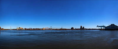 Photograph - East River Panorama by Robert Ullmann