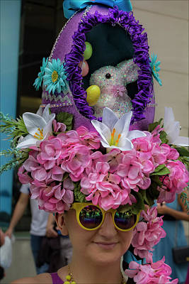 Easter Parade Photograph - Easter Parade Nyc 2017 Easter Bonnet by Robert Ullmann