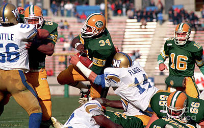 Photograph - Edmonton Eskimos Football - Milson Jones - 1987 by Terry Elniski