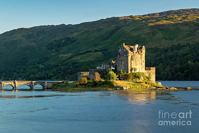 Photograph - Eilean Donan Evening by Brian Jannsen