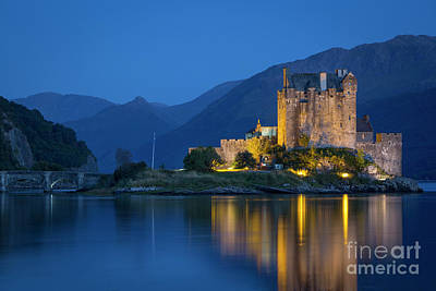 Photograph - Eilean Donan Twilight by Brian Jannsen