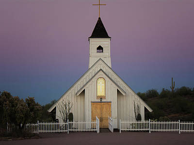 Photograph - Elvis Memorial Chapel by Tam Ryan