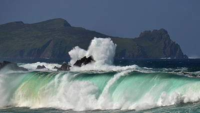 Photograph - Emerald Wave by Barbara Walsh