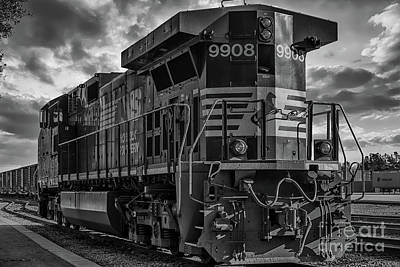 Photograph - Engine 9908  by Dale Powell