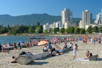 Photograph - English Bay Beach by Frank Townsley