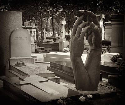 Photograph - Eternal Hands by Mick Burkey