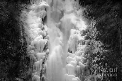 Frozen Multnomah Falls Art Print