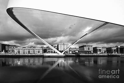 Gateshead Millennium Bridge Art Print