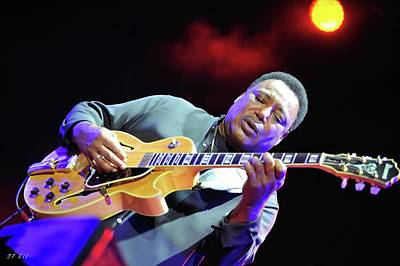 Photograph - George Benson by Jean Francois Gil